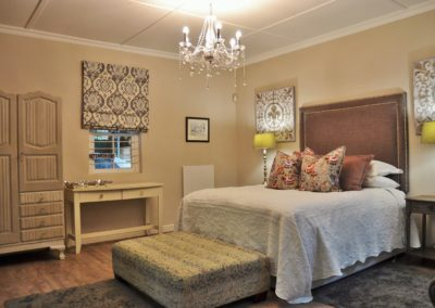 Granit Greay Spacious bedroom